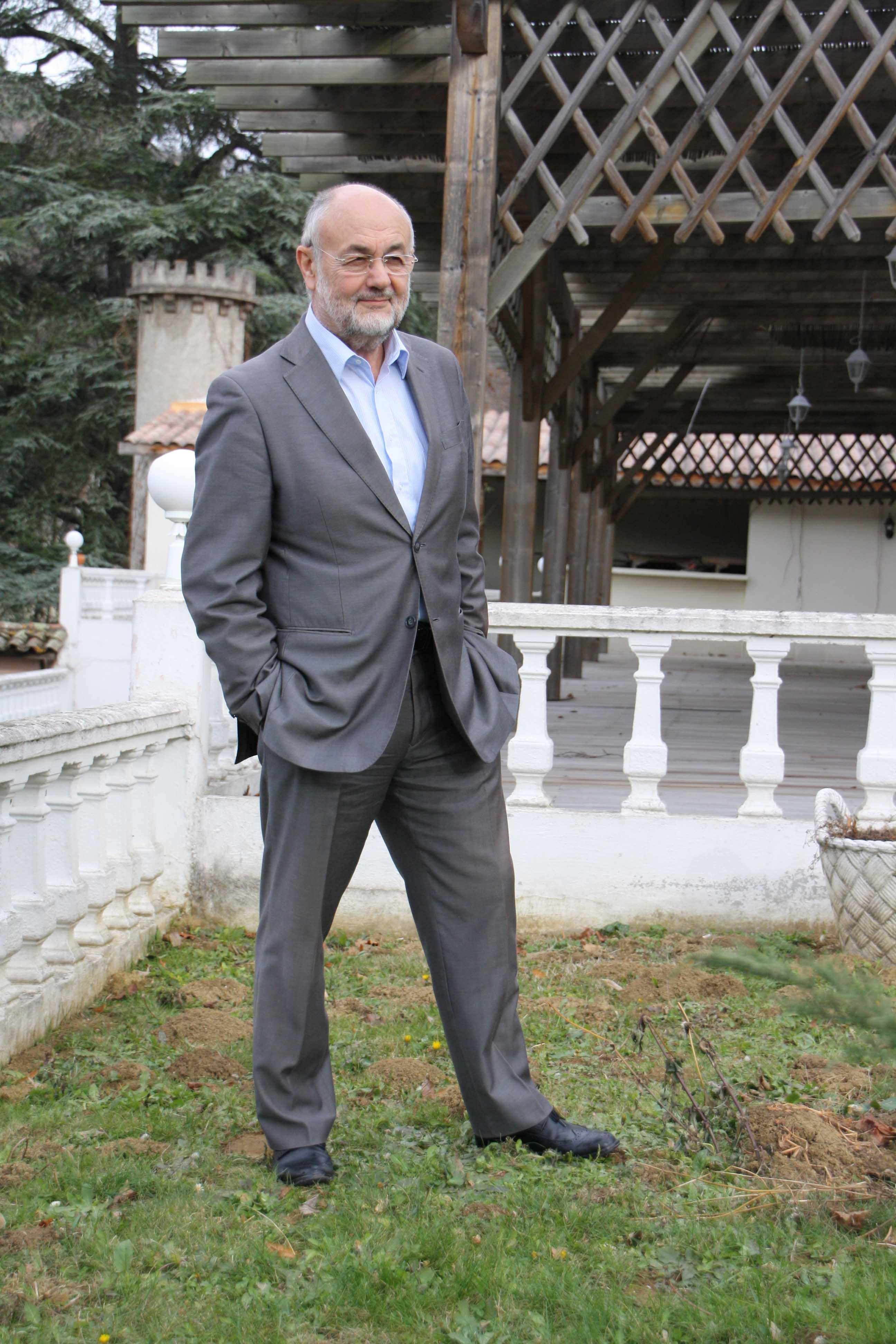 François Dert Président